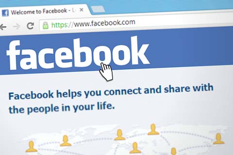 The facebook homepage screen, with the address bar visible showing www.facebook.com