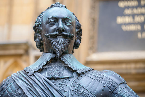 Statue of Bodley Bodleian Library credit Shutterstock