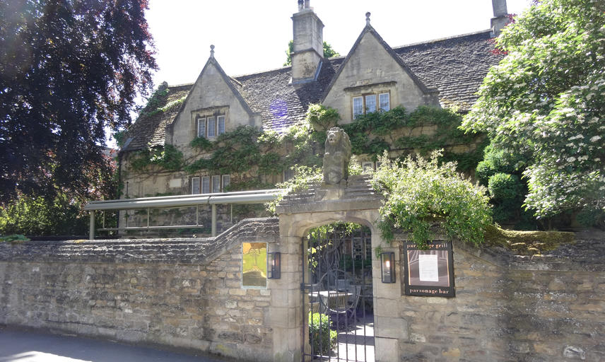 The exterior of the Old Parsonage in Oxford from outside the walls on Banbury Road