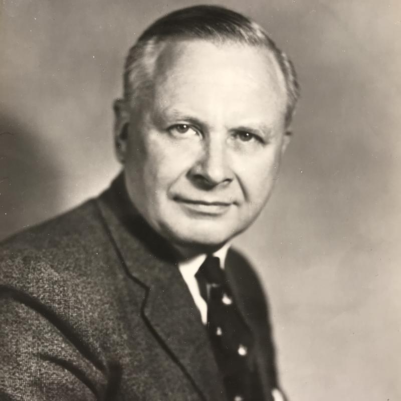An older portait photograph of Richard Blackwell
